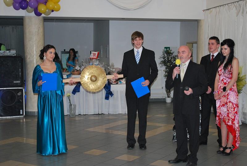 Otvárací ceremoniál plesu priemyslovákov